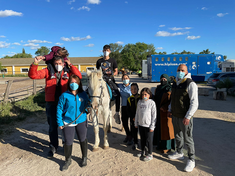 Convenio de colaboración con la Fundación WE Ayudamos – WE HORSE