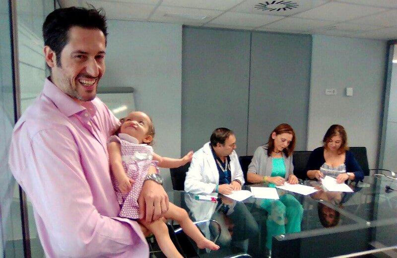 La AESWH firma un convenio de colaboración con la Fundación La Paz