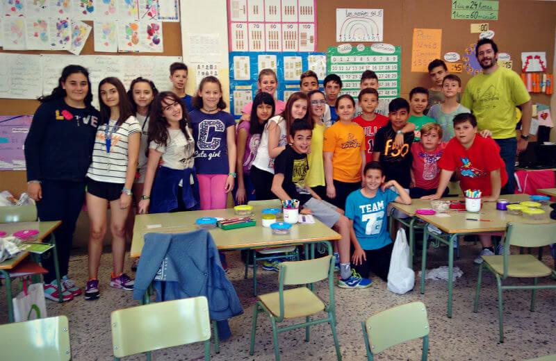 Alumnos/as del CEIP Antonio Hernández de Móstoles colaboran con la AESWH